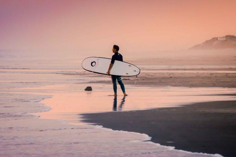 Ripstar Young: de leukste surfcamps voor jeugd en jongeren!
