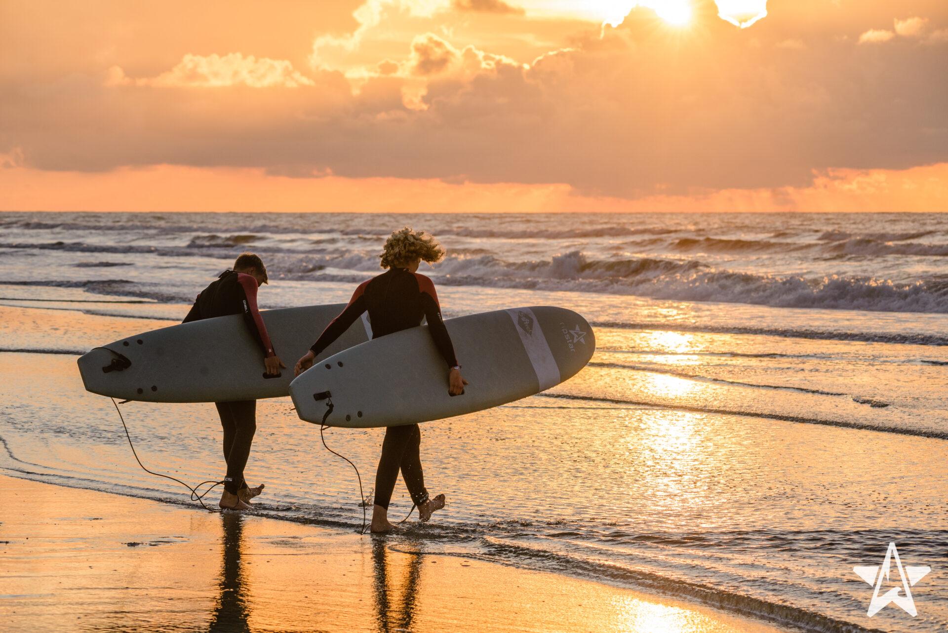 Leer surfen op ons surfcamp in Nederland!